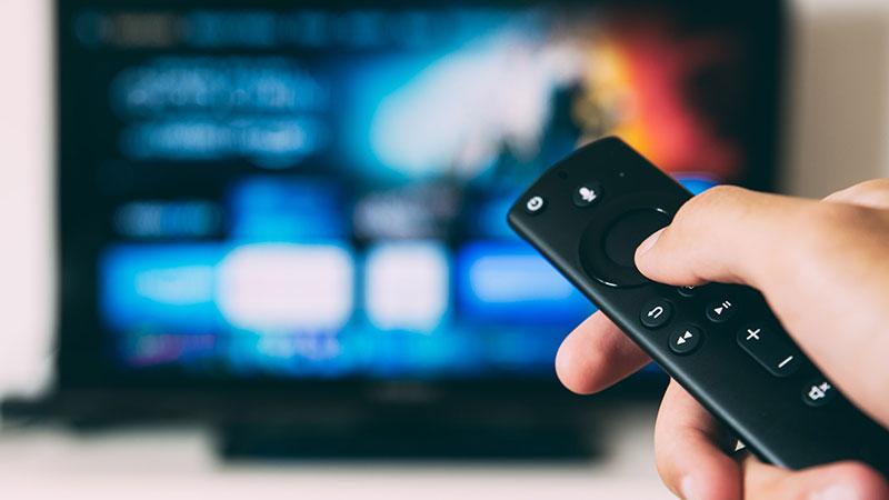 映画や動画を観るならAmazon Fire TV Stickがあると楽しい。