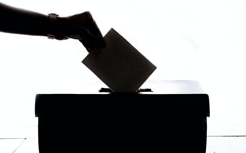 \気軽にやってみよ/#投票率倍増委員会で政治や選挙を身近なものに。